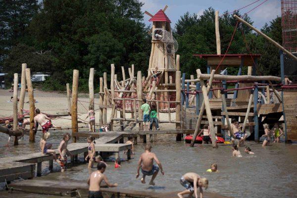Campingplatz mit Wasserspielplatz - Beerze Bulten