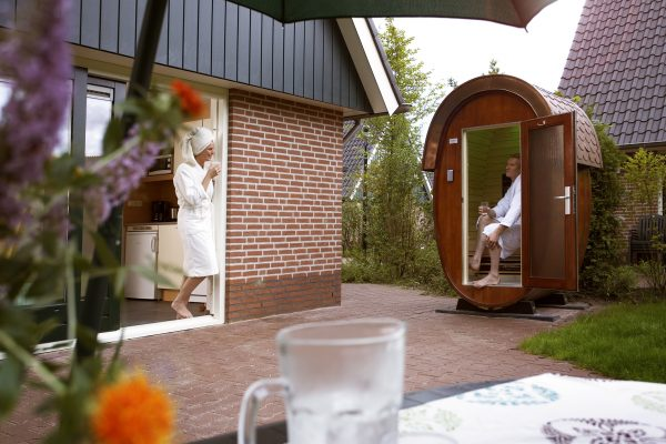 luxus ferienhaus in holland mit sauna holland campings. Black Bedroom Furniture Sets. Home Design Ideas