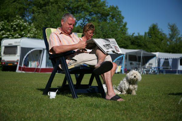 Entspanntes beisammensein mit der Familie im Campingurlaub