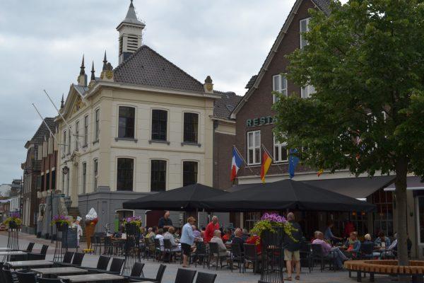 Marktplatz mit Terrassen in Groenlo